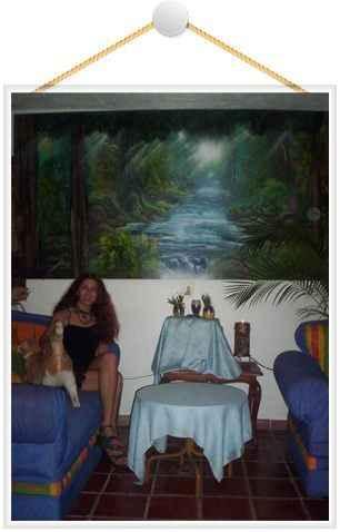 alisa spray paint art mural
